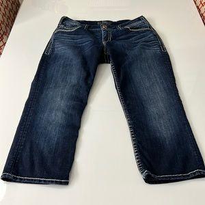 "Silver Jean Capris Suki flap size 30"" waist"